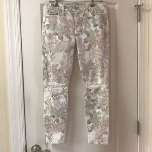 7FAM floral skinny jeans distressed. Size 30